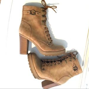 G BY GUESS LACE UP BOOTS
